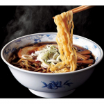 黒胡椒のパンチが鮮烈!ご飯が進むラーメン「富山ブラック」(6食) 画像